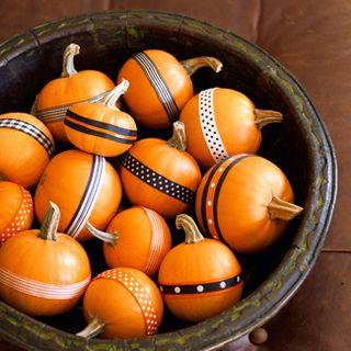 Halloween-pumpkins-craft-ribbons-fb